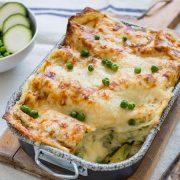 Lasagnes aux courgettes, petits-pois, parmigiano reggiano, mozzarella et béchamel